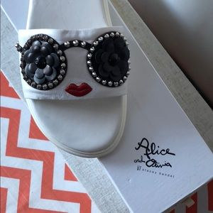 New Alice and Olivia Flipflops
